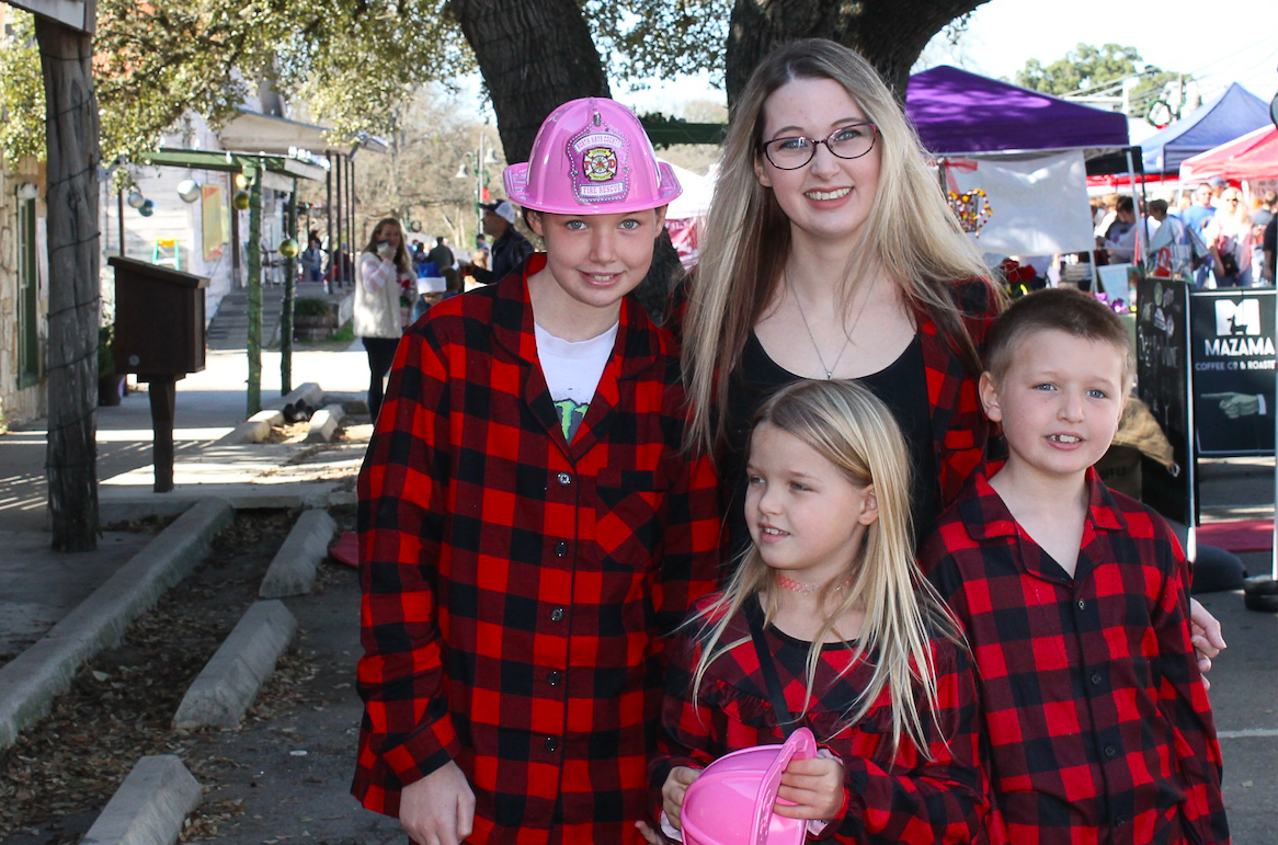 Melissa, Kelly, Persephone and Joshua Otterline coordinated beautifully at Christmas on Mercer in Dripping Springs, Saturday, December 7th, 2019. Photo by Haley Henry.
