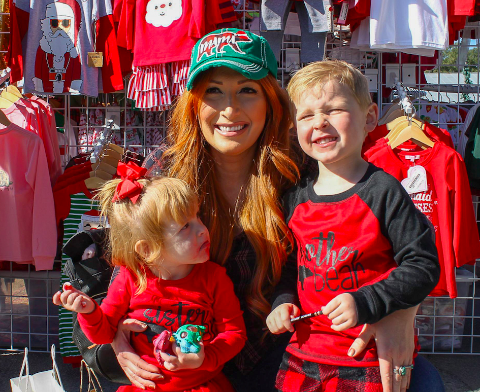 Kyan, Aisley and Kelly Pereles enjoying Christmas on Mercer in Dripping Springs, Saturday, December 7th, 2019. Photo by Haley Henry.