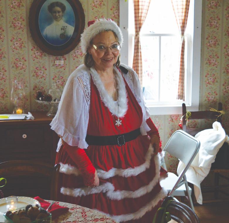 Volunteer Wanda Mauldin is a real descendant of Dr. Pound.